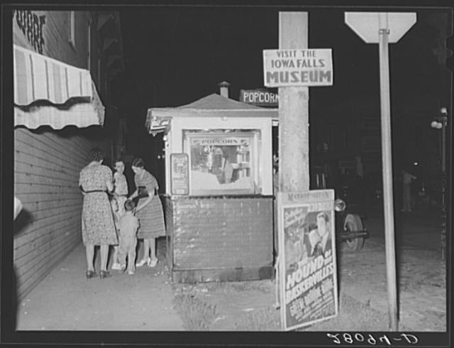 1939 popcorn stand in Iowa Falls